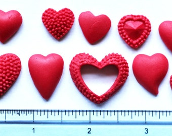 Set of 30 edible hearts for cake or cupcake decoration. Fondant hearts cake and cupcake toppers