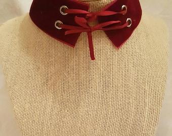 Velvet lace up choker (red)