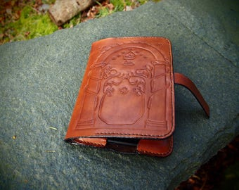 gates of moria kindle case, kindle paperwhite cover, leather kindle cover, lotr kindle case