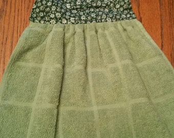 Green flower hanging kitchen towel