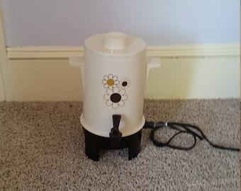 Vintage Regal ware electric coffee urn, 10-20 Cup capacity