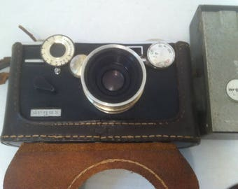 Vintage Argus Camera in Leather Case, with Attached Flash, Home Decor, Shelf Display, Use it Maybe, Photography, Photos, Camera, Pictures