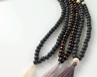 Mala Necklace-108 + 1 wooden beads Mala Necklace-Meditation Necklace-Collar para meditación colores Neutros-Beaded Necklace- Tassel necklace