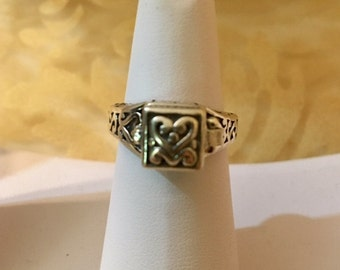 USA-FREE SHIPPING!!  Box Sterling Silver Ring