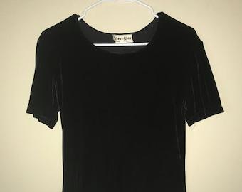 Bisou-Bisou black velvet vintage top