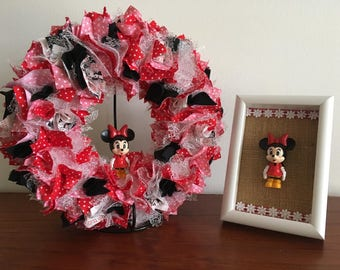 Minnie Mouse nursery/toddler bedroom decor gift set.