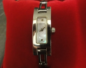 Ladies Vintage Authentic GUCCI 4600L Watches stainless steel/Stainless Steel