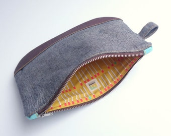 Heavy denim grey pouch with brown cork and metal zipper