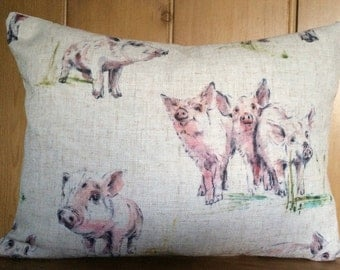 Linen look, cotton linen mix, pink pigs, cushion cover, oink cushion cover, watercolour pigs on a cream background, piglets, country style