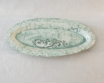 Slip trailed serving tray