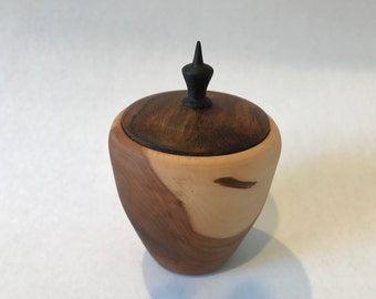 Wood turned box // Small Lidded wood box // Wood turning