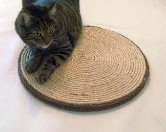 18 in Round Cat Scratcher / Sisal Scratcher Board / Scratching Pad
