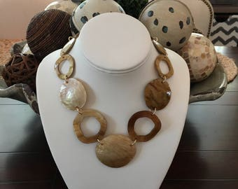 Tortoise shell chain necklace with large tortoise shell focal piece