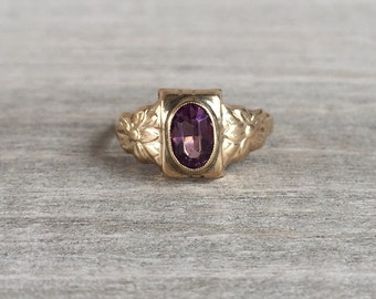 CLEARANCE Amethyst glass yellow gold vintage ring