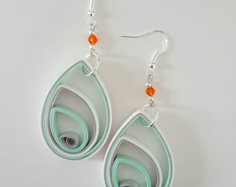 Drop-shaped earrings, paper, quilling