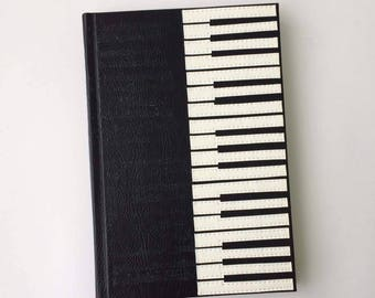 Personalized piano journal, piano keyboard journal, music notebook, pianokeys journal, gift for music teacher, handcrafted gift