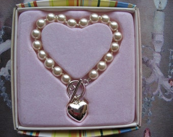Vintage Marshall Fields Pearl and Silver Heart Bracelet