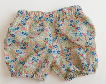 "Eddie & Bee cotton lawn Ruffle bum bloomers in ""strawberry fields"" print"