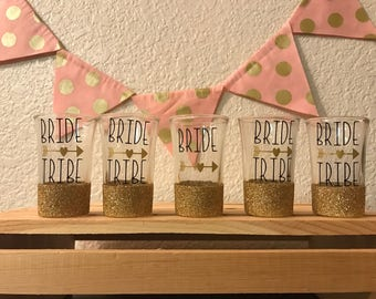Glitter dipped Bride Tribe shot glass // bridal party // bachelorette party // vegas // bridal gift // shots // gift set // wedding gift