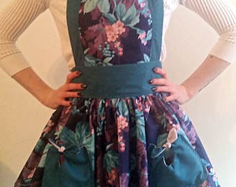 Vintage Full Apron - Purple Prose // retro full apron with tied bow pockets