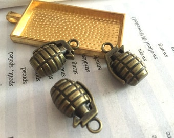 10Pieces /Lot Antique Bronze Plated 22mmx14mm grenades Charms