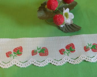 Strawberry Flat Lace Trim by the yard