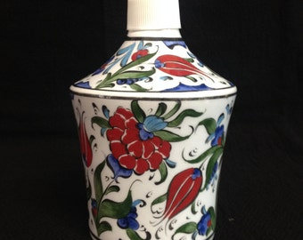 "7"" x 4"" (17cm x 10cm ) Hand made Ceramıc Red Tulip  liquid soap holder"