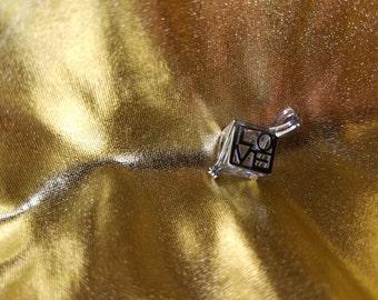 Love box pearl pendant necklace