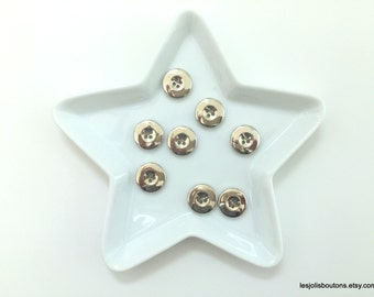 8x Silver Buttons 18mm
