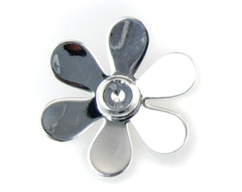 Silver Plated Daisy Pendant with 5mm Cup