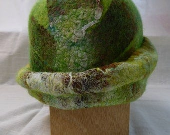 Unique bowler hat of merino wool and silk silk, handgevilt, nuno felt, soft green with Brown and cream, handmade elegant felt ladies hat,