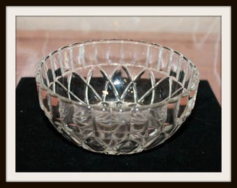 Kig Indonesia Pressed Glass Candy Nut Dish