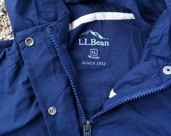 L.L.BEAN hooded windbreaker