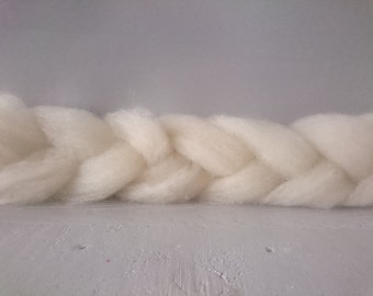 British Wool Roving - Hampshire Down - 100g - hand prepared un dyed Natural wool no bleach roving -  eco freindly roving - wool batt