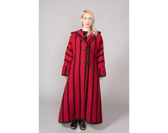Vintage 70's Maxi Blanket Coat Black Red Large Oversize Hood Princess Fit Flare Southwest Pendleton Blanket XS SMALL MEDIUM Toggle Buttons