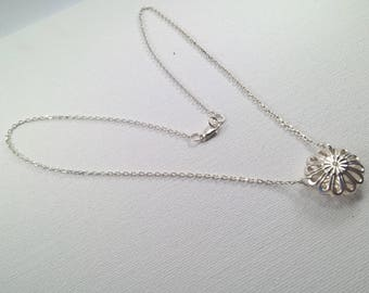 925 Silver necklace, Silver necklace with circular pendant, silver pendant necklace, circle necklace, silver flower pendant necklace,