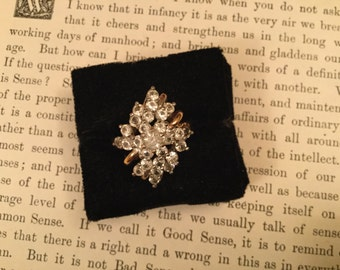 SALE Gorgeous vintage rhinestone cluster 18k HGE cocktail statement ring (A109)