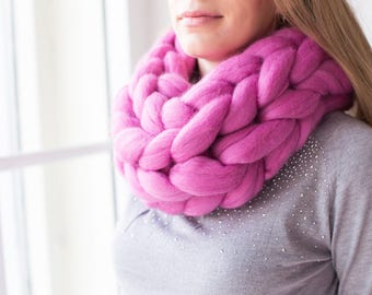 Super chunky oversized infinity scarf, giant knit, soft merino wool, handmade, arm-knitted cowl, bulky, stylish, spring fashion, gift idea
