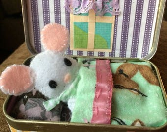 Mini pocket pet and mouse house