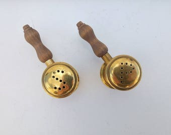 French Vintage salt and pepper pots ,brass and wood,kitchenlia,Fench kitchen
