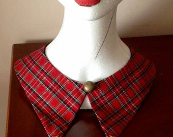 Plaid collar with spikes
