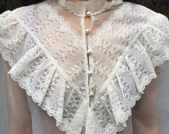 Vintage cream Edwardian style lace shirt medium/large 70s
