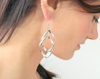 Silver spiral long earrings, bridal volute long earrings, bride chandelier silver earrings, bridal silver spiral earrings, twist earrings