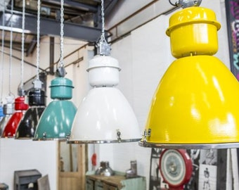 Industrial Light Fitting With Wide Range Of Large Industrial Lights