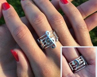 "Pentagram Ring ""I Love Music"", with music symbols"