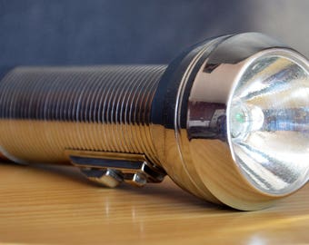 lampe torche en métal ray-o-vac / steel flashlight