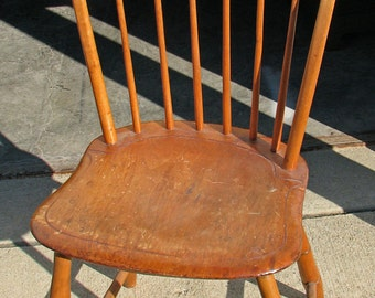 Early Country style side Chair