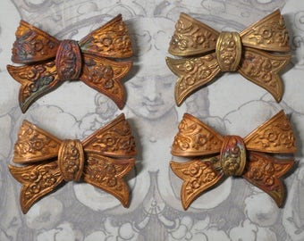 Vintage French 3-D Ribbon Victorian Style Brass Bow Knot Pendant Finding 1 Piece 441J