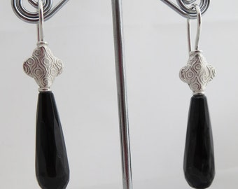 Onyx earrings with Oriental flair