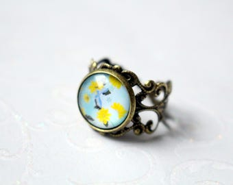 Adjustable cabochon ring bronze with flower pattern